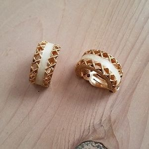 David Hill Signed Clip Earrings
